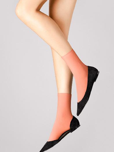 Wolford Velvet 66 Socks M