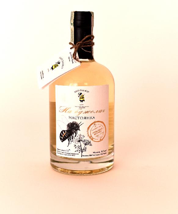 Honey Badger Bee Infused Nastoyanka 37% 0.5L